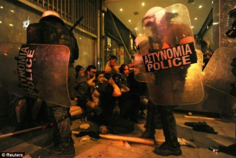 Greek Police Attacking Anti-Fascists