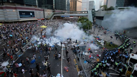 china tear gasses Hong Kong protesters