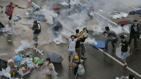 """Hands Up Don't Shoot"" in Hong Kong"